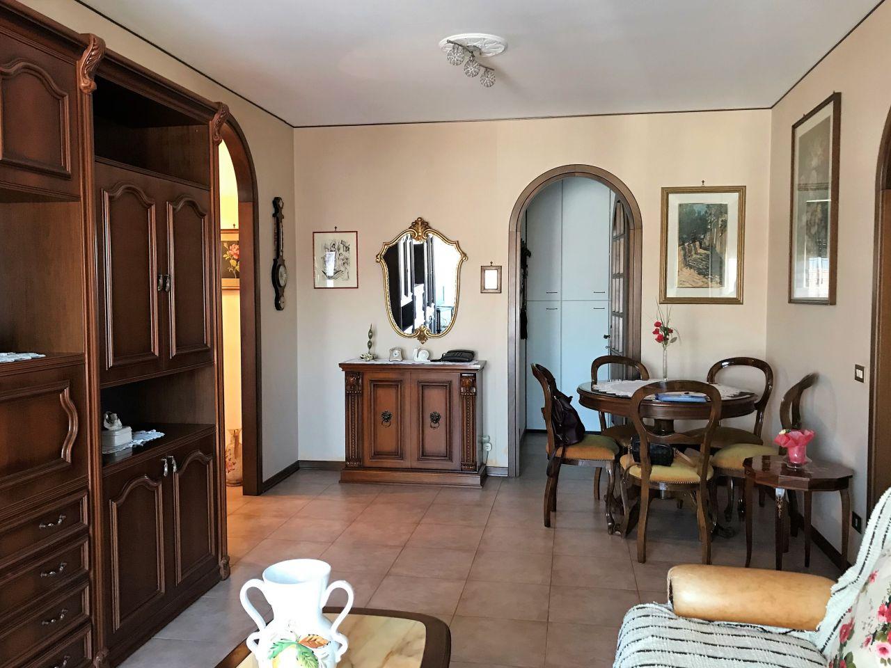 Appartamento in affitto a Montegrotto Terme, 5 locali, prezzo € 750 | CambioCasa.it