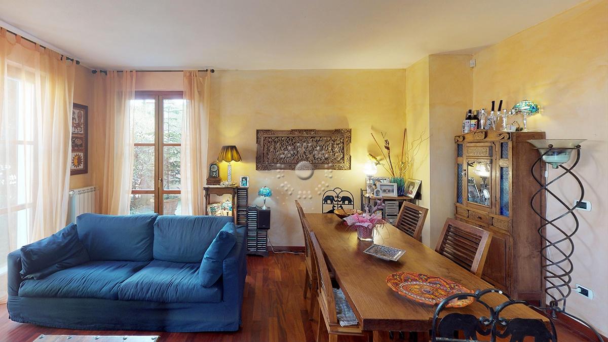 Appartamento in ottime condizioni in vendita Rif. 11287554