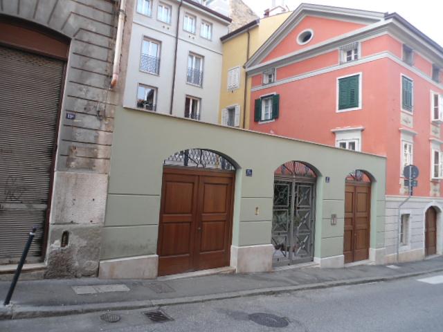 Magazzino - capannone ristrutturato in vendita Rif. 4755601