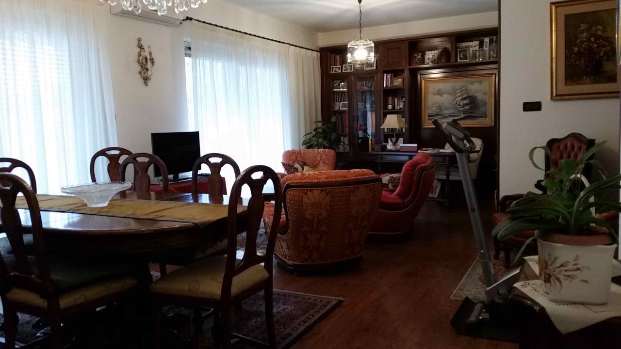 Appartamento ristrutturato in affitto Rif. 8586077
