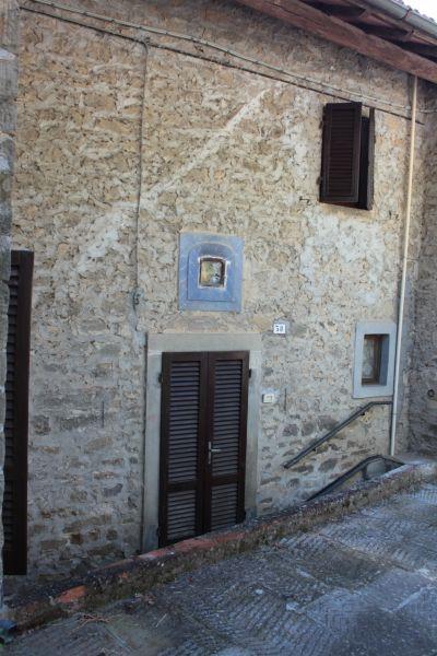 Bilocale Ortignano Raggiolo Via Dei Campi 1