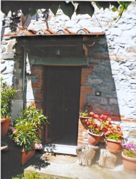 Bilocale Chitignano  5