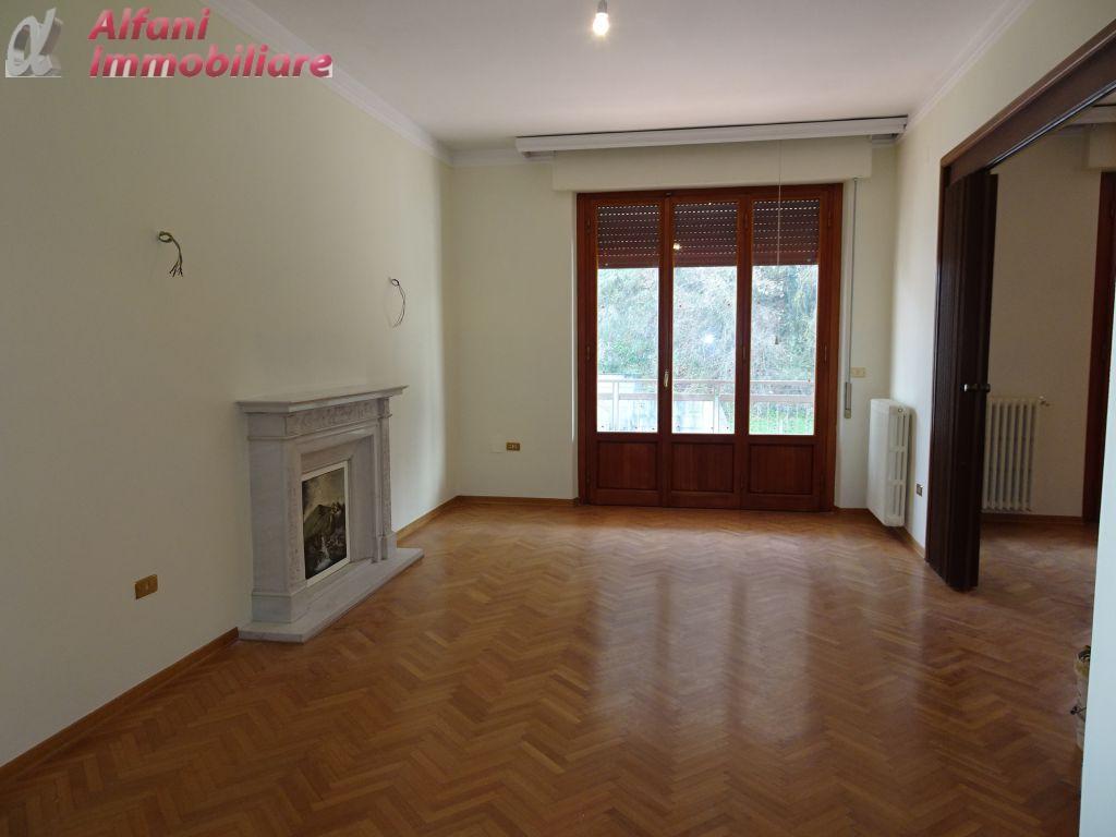 Appartamento in vendita a Bibbiena, 7 locali, prezzo € 260.000 | PortaleAgenzieImmobiliari.it