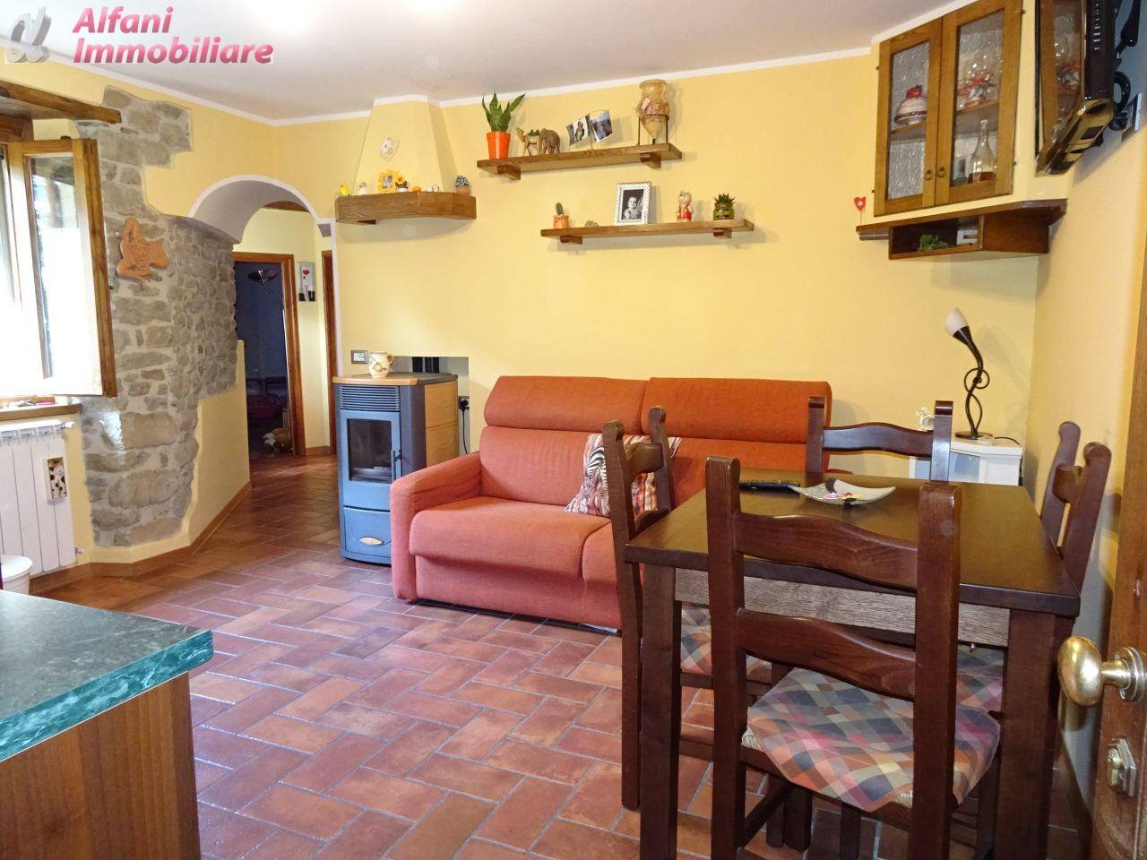 Appartamento in vendita a Montemignaio, 3 locali, prezzo € 85.000   CambioCasa.it
