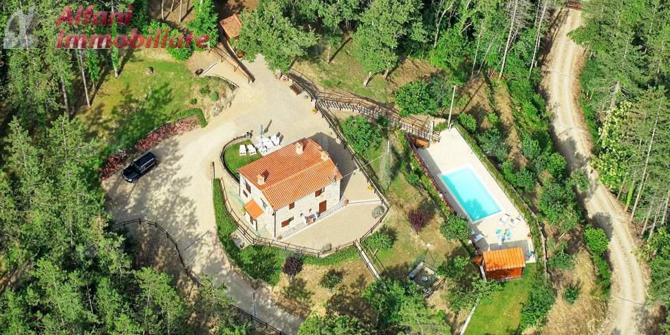 Rustico / Casale in vendita a Talla, 5 locali, prezzo € 240.000 | CambioCasa.it