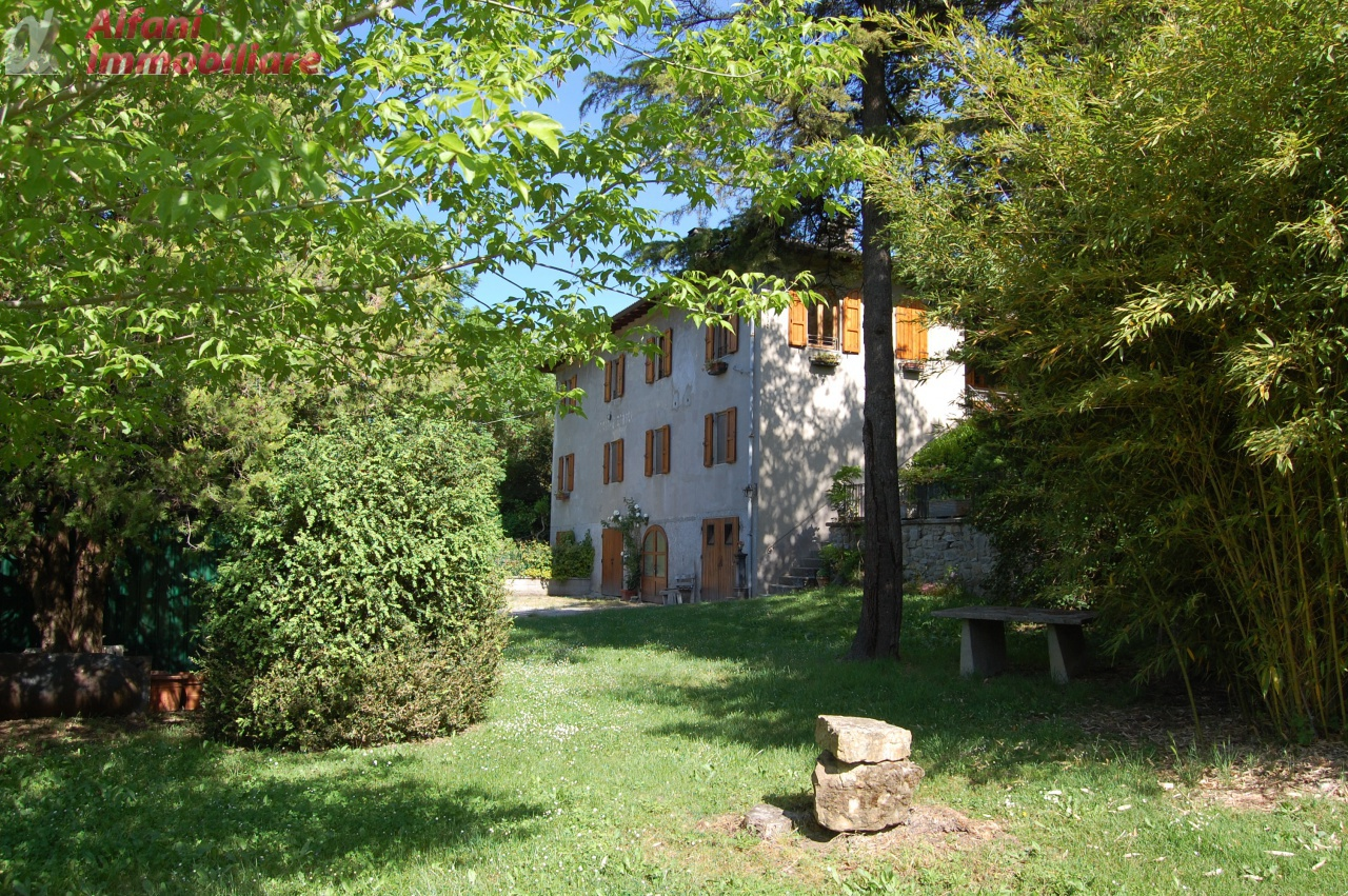 Appartamento in ottime condizioni in vendita Rif. 5743385