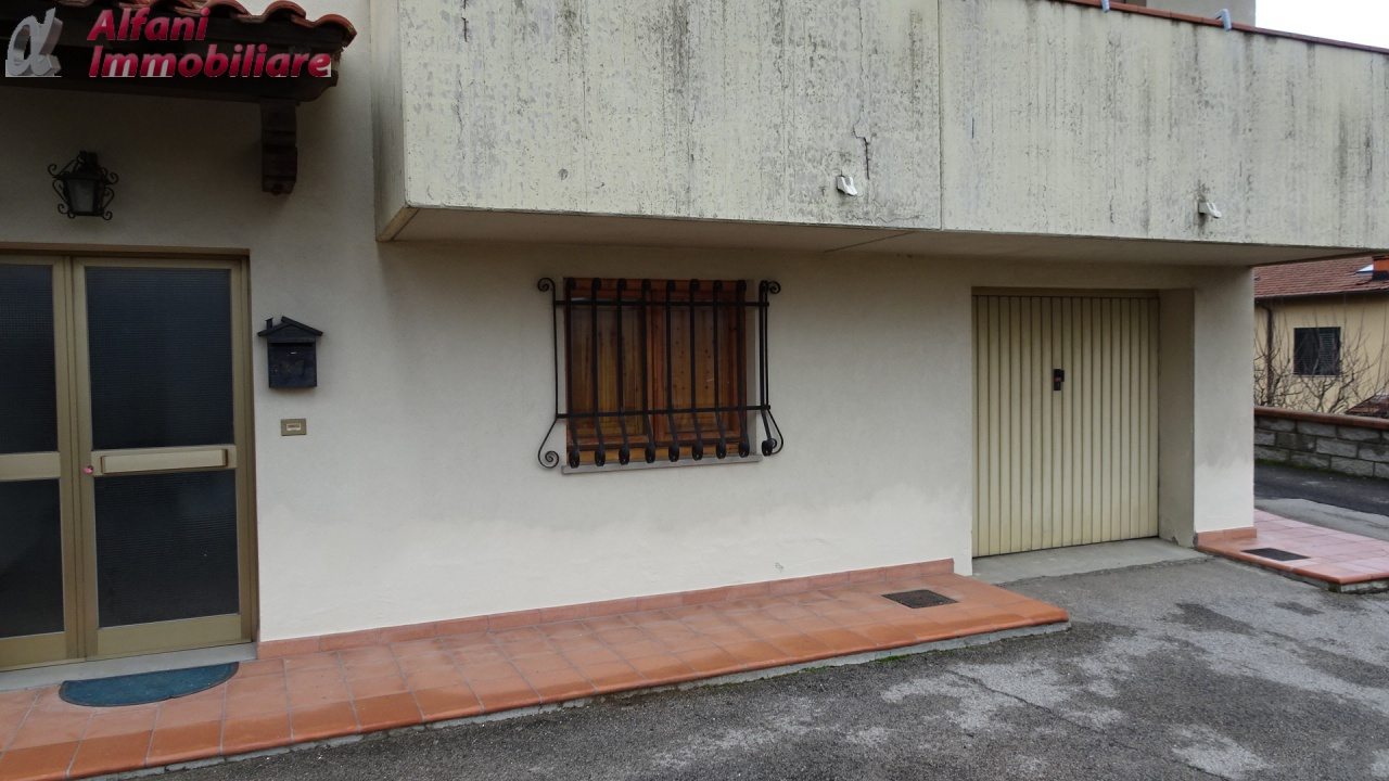 Appartamento in buone condizioni in affitto Rif. 8769063