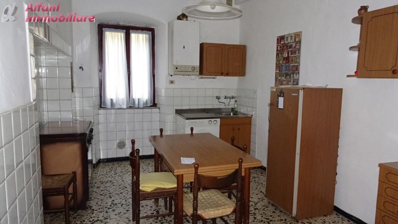 Appartamento da ristrutturare arredato in affitto Rif. 9313039