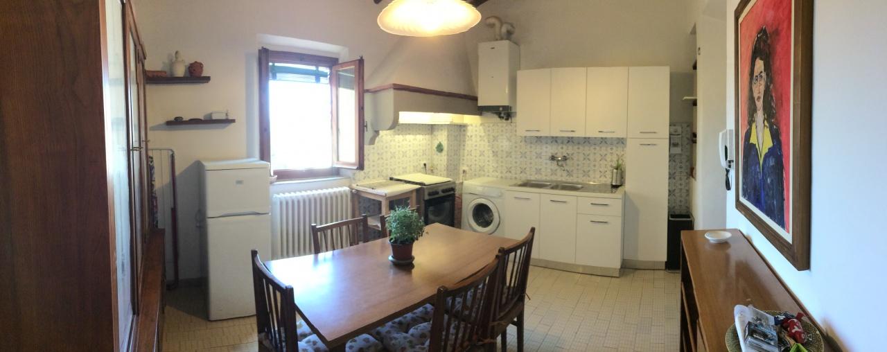Appartamento in ottime condizioni arredato in affitto Rif. 6895381