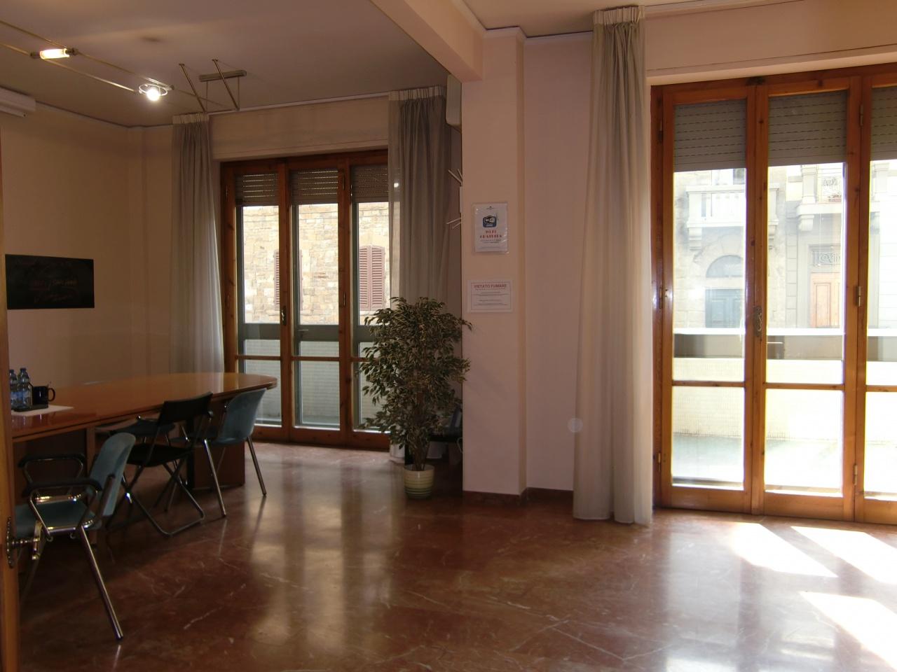 Appartamento FIRENZE vendita  VITTORIO EMANUELE Via Crispi STUDIO IMMOBILIARE FLORENZI DI GIACOMO BIANCHI