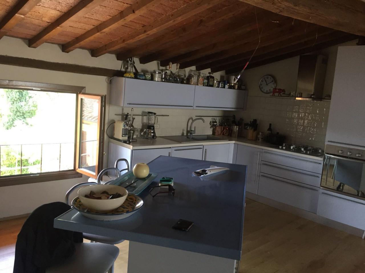 vendita appartamento firenze peretola   brozzi  240000 euro  4 locali  90 mq