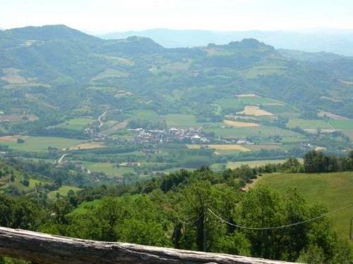 Rustico / Casale in vendita a Denice, 8 locali, prezzo € 80.000 | CambioCasa.it