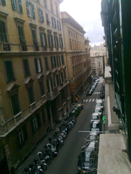 Appartamento in affitto a Genova, 10 locali, prezzo € 900 | CambioCasa.it