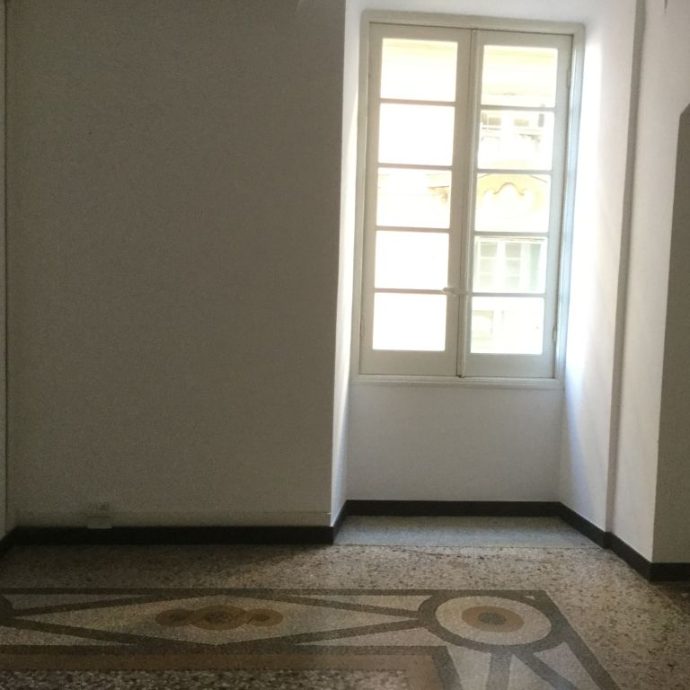 Ufficio GENOVA 0372