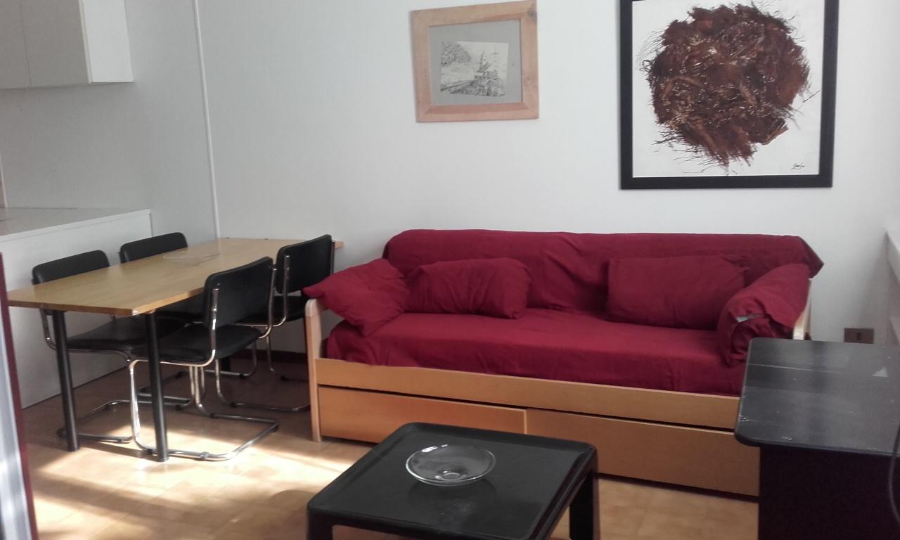 Pegli Salgari luminoso appartamento 52mq finemente arredato. Contratto transitorio/foresteria. Referenziati.