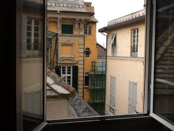 Vico Olio ad.te Piazza Annunziata luminoso 50mq ristrutturato semi arredato