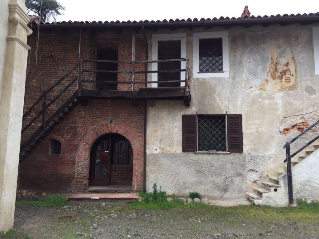 Pub / Discoteca / Locale in affitto a Sizzano, 8 locali, zona Località: Castello Ricetto, prezzo € 2.000 | Cambio Casa.it