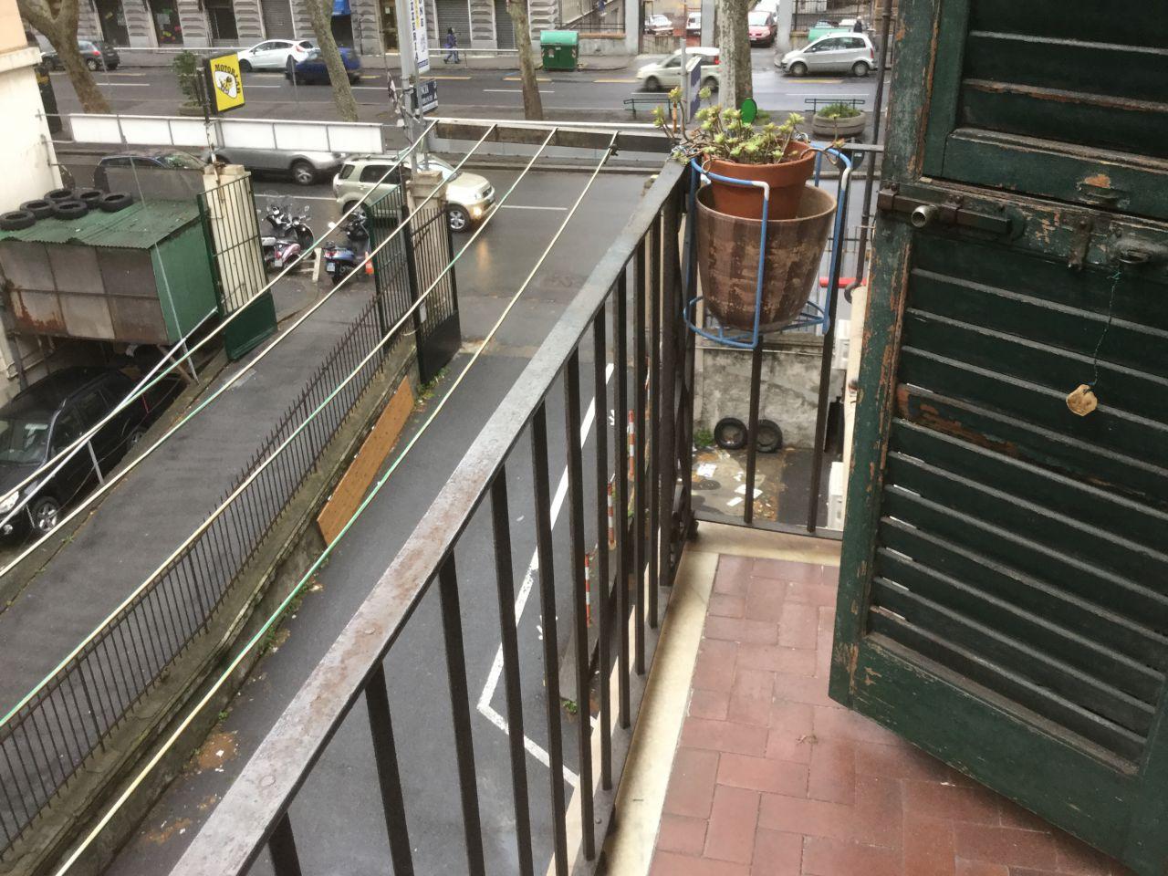 Appartamento in affitto a Genova, 6 locali, zona Località: MARASSI, prezzo € 550 | Cambio Casa.it