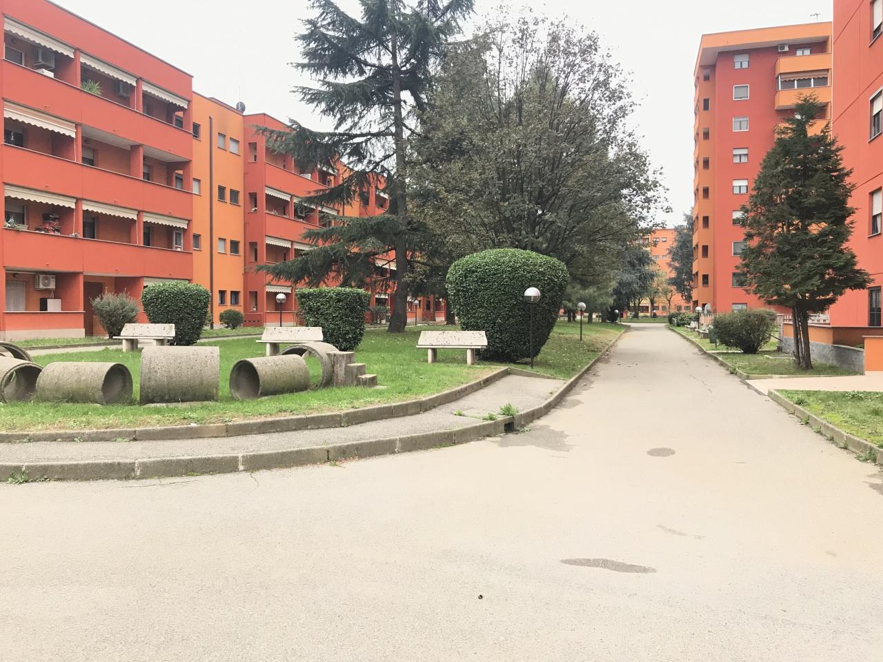 Appartamento in buone condizioni in vendita Rif. 10337961