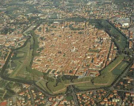 Bilocale Lucca  4