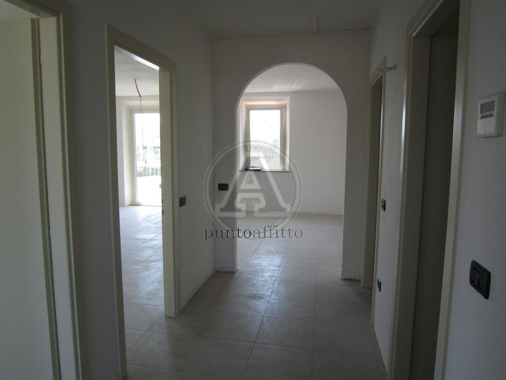 Ufficio / Studio in affitto a Lucca, 9999 locali, prezzo € 1.000 | CambioCasa.it