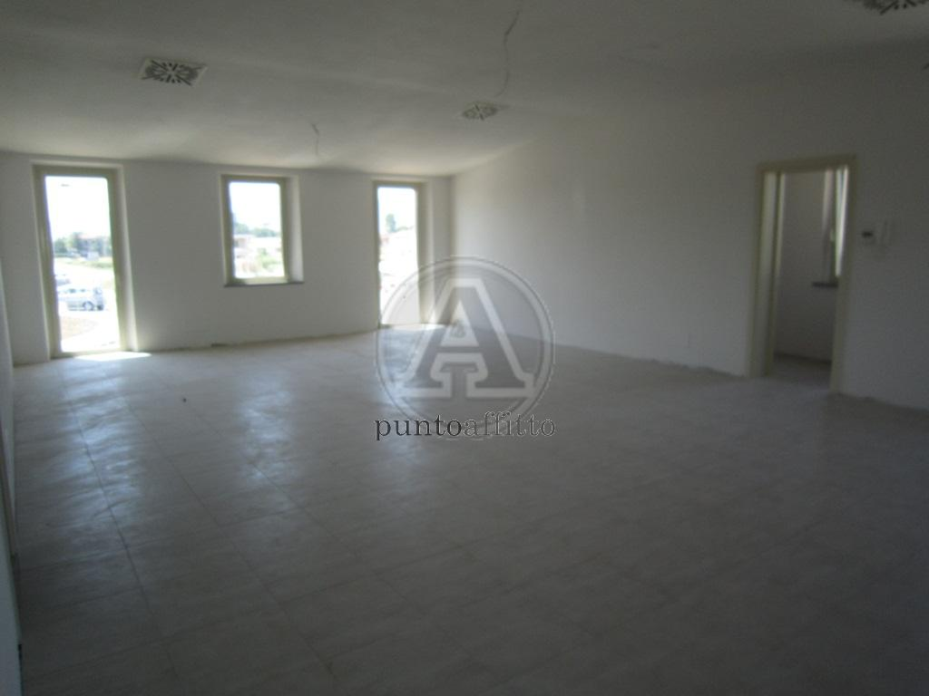 Ufficio / Studio in affitto a Lucca, 9999 locali, prezzo € 800 | CambioCasa.it