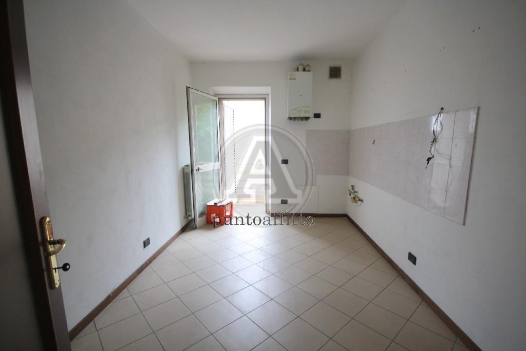 Appartamento, 70 Mq, Affitto - Lucca (Lucca)