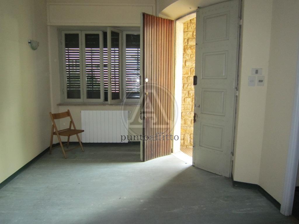 Ufficio / Studio in affitto a Lucca, 9999 locali, prezzo € 2.000   CambioCasa.it