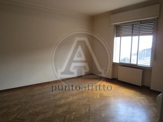 Ufficio / Studio in affitto a Lucca, 9999 locali, prezzo € 1.200 | CambioCasa.it