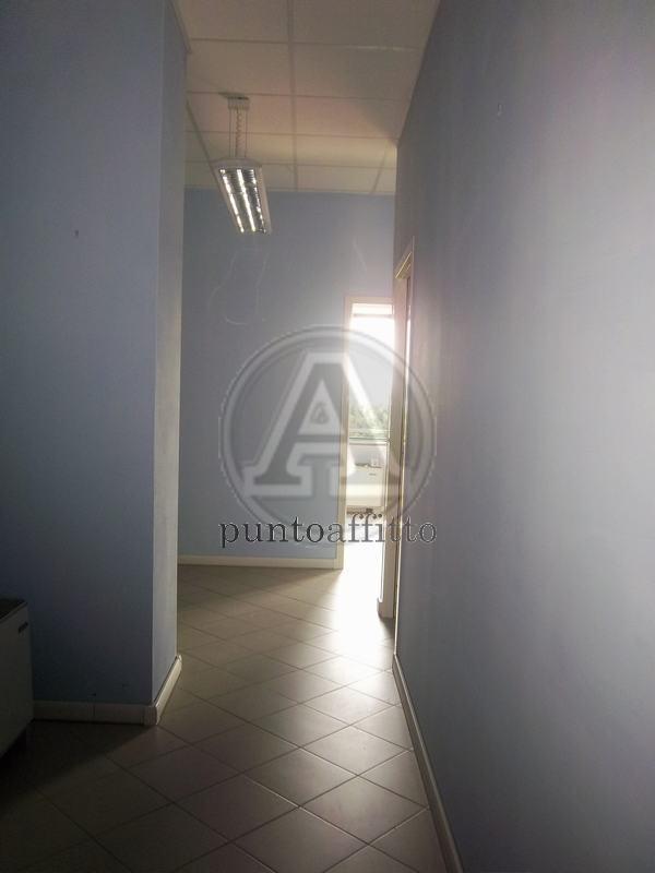Ufficio / Studio in affitto a Lucca, 9999 locali, prezzo € 550 | CambioCasa.it