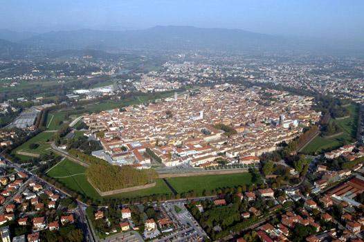 Bilocale Lucca  9
