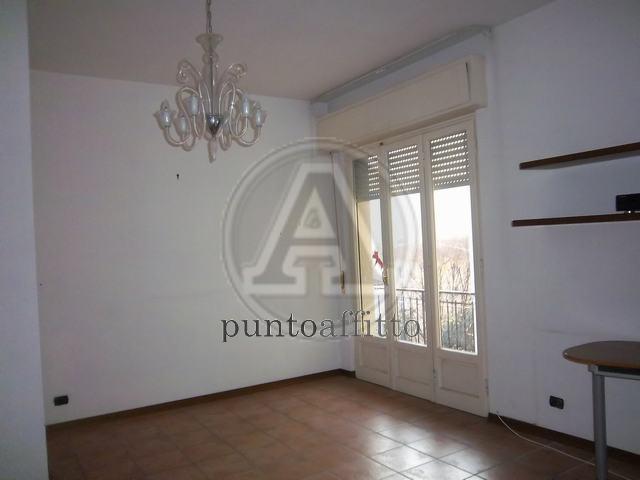 Appartamento in affitto a Lucca, 4 locali, zona Località: GENERICA, prezzo € 650 | Cambio Casa.it