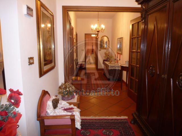 Appartamento in affitto a Lucca, 9999 locali, zona Località: GENERICA, prezzo € 950   Cambio Casa.it