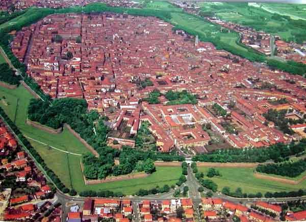 Negozio / Locale in affitto a Lucca, 9999 locali, zona Località: BORGO GIANNOTTI, prezzo € 1.500 | Cambio Casa.it