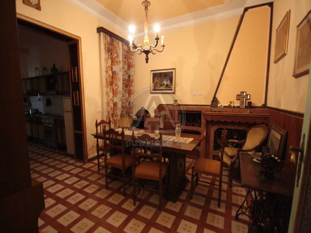 Appartamento in affitto a Lucca, 5 locali, prezzo € 1.200 | CambioCasa.it