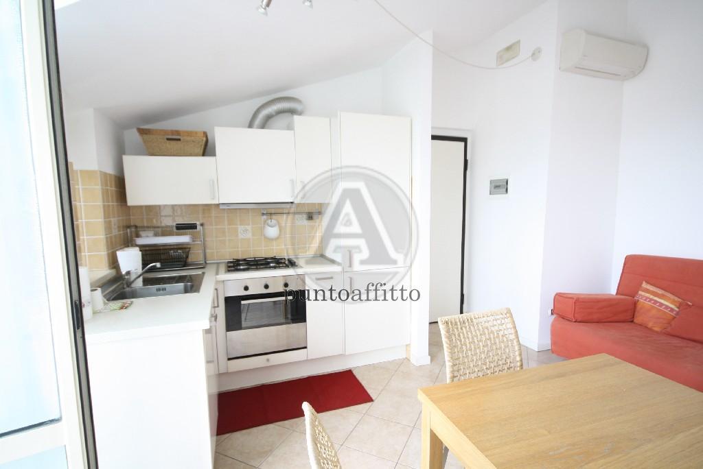 Appartamento in affitto a Lucca, 3 locali, prezzo € 700 | CambioCasa.it
