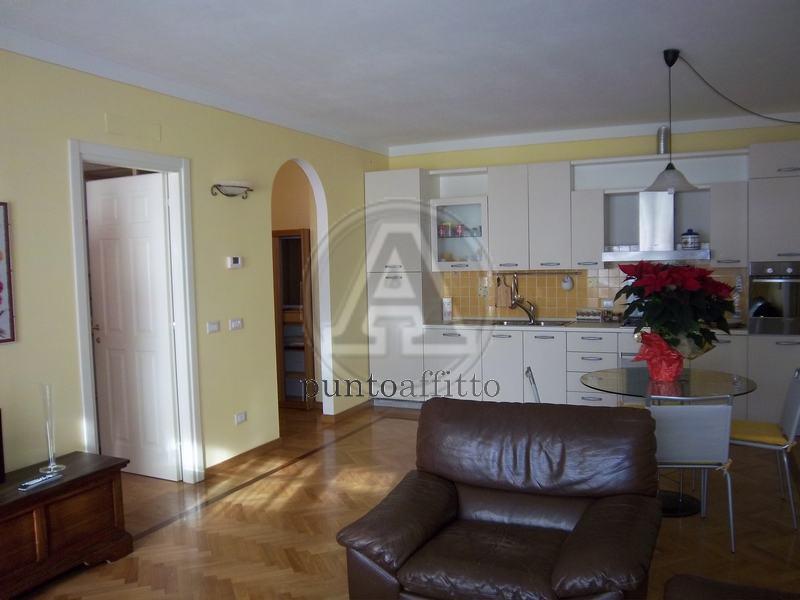 Appartamento in affitto a Lucca, 2 locali, prezzo € 650   CambioCasa.it