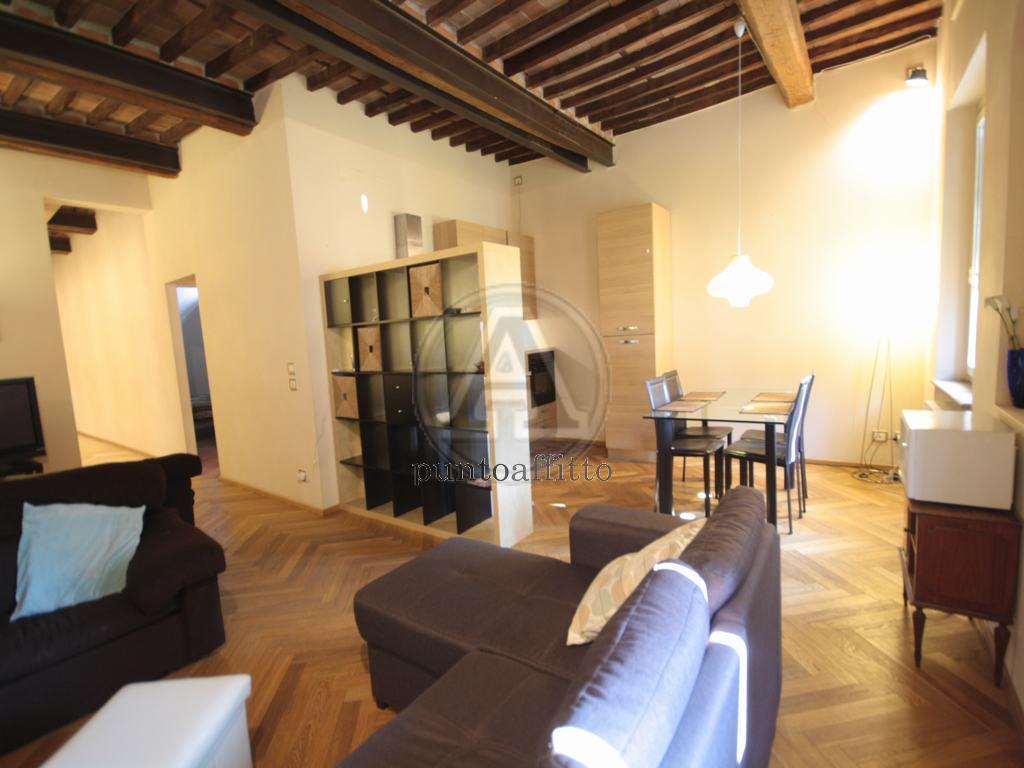 Appartamento in affitto a Lucca, 4 locali, prezzo € 850 | CambioCasa.it