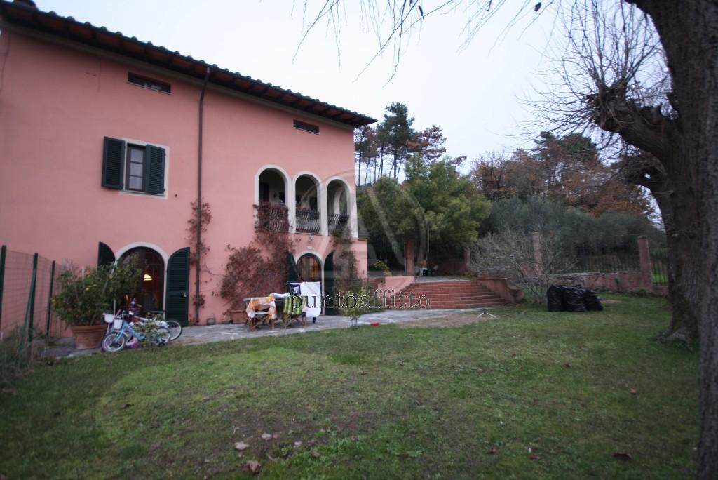 Appartamento in affitto a Lucca, 6 locali, prezzo € 970 | CambioCasa.it
