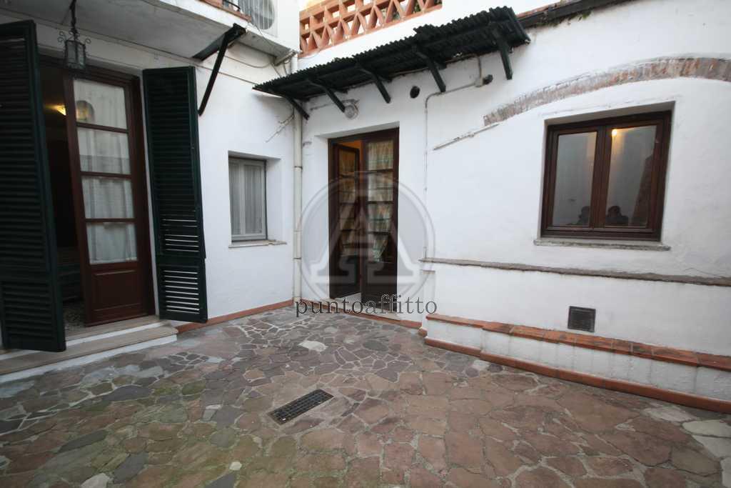 Appartamento in buone condizioni arredato in affitto Rif. 10957065