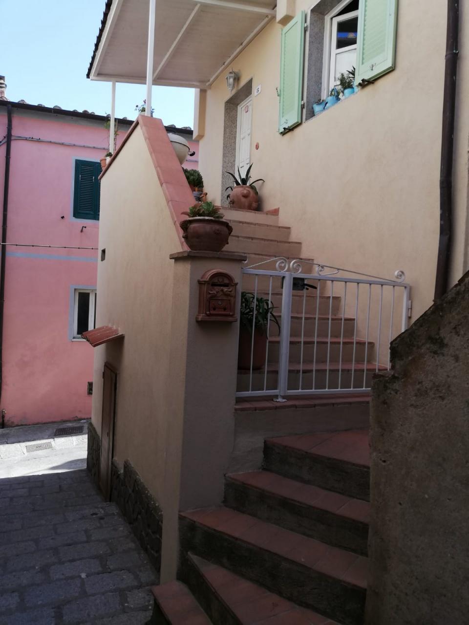 Appartamento in ottime condizioni arredato in vendita Rif. 10545186