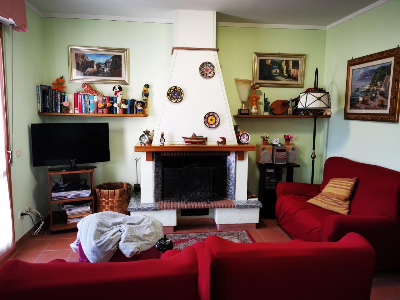 Appartamento in vendita a Porto Azzurro, 4 locali, prezzo € 100.000   PortaleAgenzieImmobiliari.it