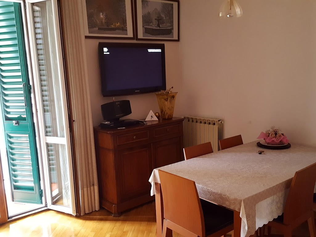 Bilocale affitto firenze via petrella for Planimetrie piano piano gratuito