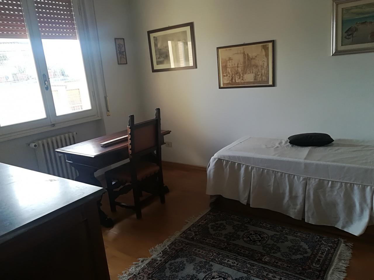 Appartamento in buone condizioni arredato in affitto Rif. 9667695