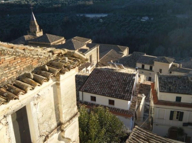 Appartamento in vendita a Loreto Aprutino, 3 locali, prezzo € 48.000   CambioCasa.it