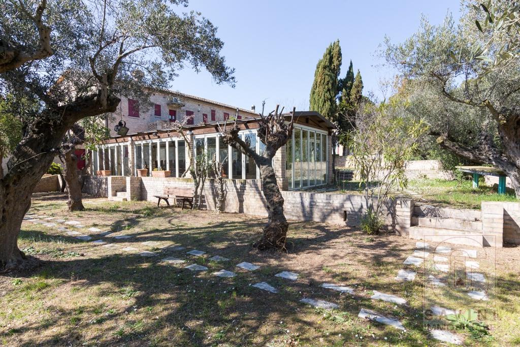 Rustico/Casale/Corte SILVI SRE2011SI