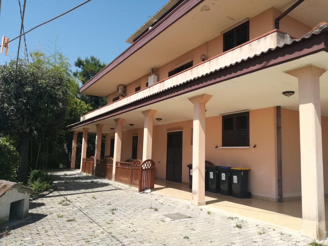 Appartamento in vendita a Montesilvano, 4 locali, prezzo € 168.000 | CambioCasa.it