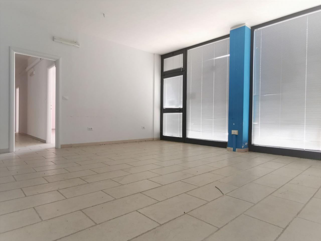 Locale Commerciale PESCARA SRE2057