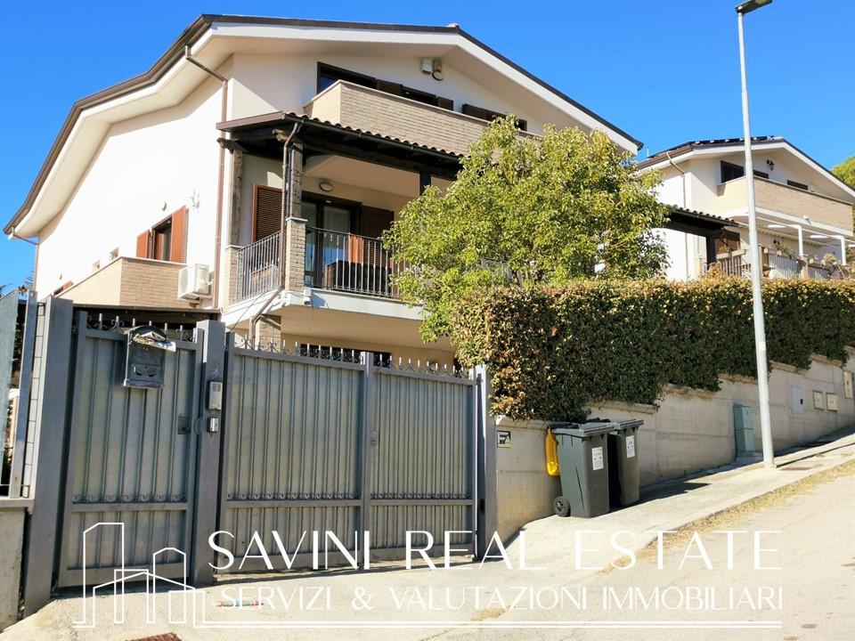 Villa bifamiliare MONTESILVANO SRE2102