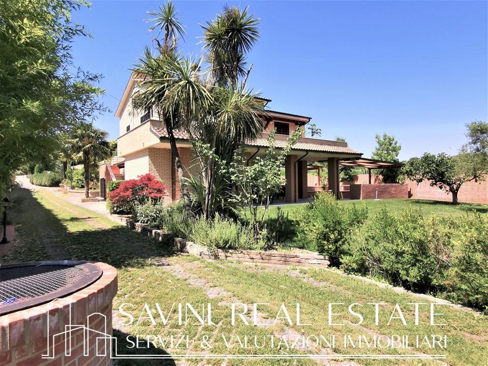 Villa 5 locali in vendita a Miglianico (CH)